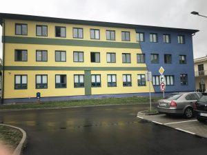 Realizácia fasády, zatepľovacie práce, polyfunkčný dom Kysucké Nové Mesto | Lodostav.sk - kvalitná stavebná firma z Kysúc